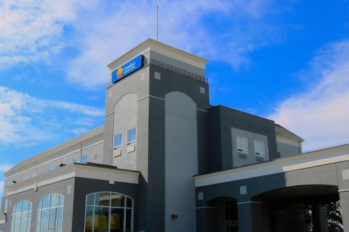 Comfort Inn & Suites Airport South - Calgary, AB T1Y 7E4