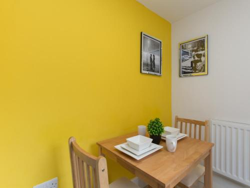 TownHouse @ West Avenue Crewe - Photo 3 of 10