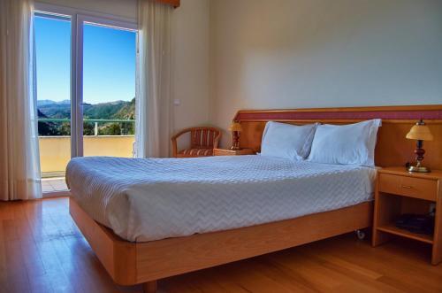 __{offers.Best_flights}__ Hotel Miracastro