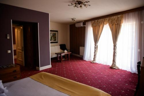 . Hotel Castel