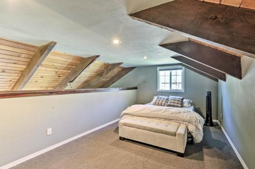 Rustic Townhouse with Fireplace, Less Than 1Mi to Ski! Main image 1