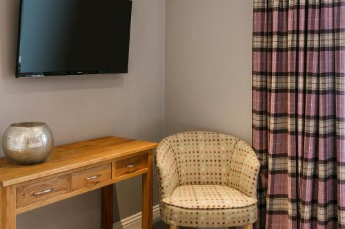 The Lodge @ Carus Green - Photo 2 of 43