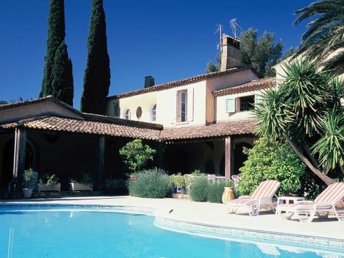 . Chateau Maravenne