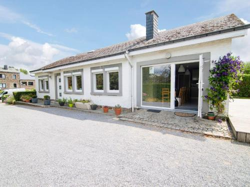 . Spacious Holiday Home with Private Garden in Nassogne