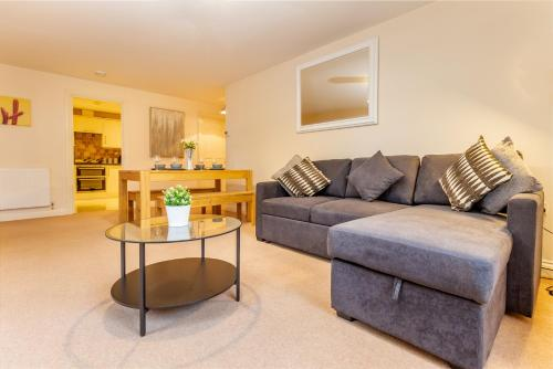 . Apartment 4 Hillbrook House, Malvern - Guest Homes
