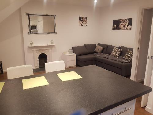 Oakfield Street Apartments Cardiff