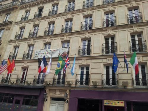 Le Montclair Montmartre by Hiphophostels photo 9