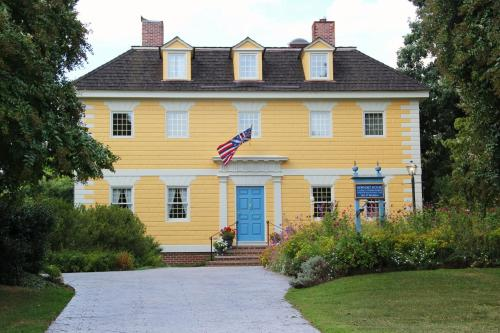 Newport House Bed & Breakfast - Accommodation - Williamsburg