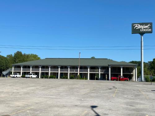 . Riverfront Lodge
