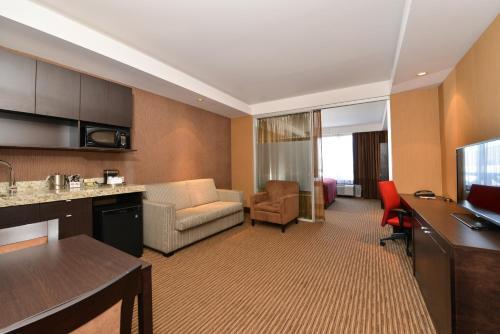 Radisson Hotel & Convention Center Edmonton