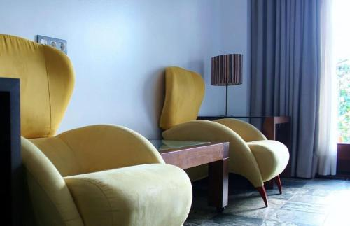 Superior Double or Twin Room with Terrace - single occupancy Hotel Monument Mas Passamaner 11