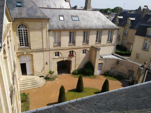 charming appartement in a historical mansion-house - Location saisonnière - Bayeux