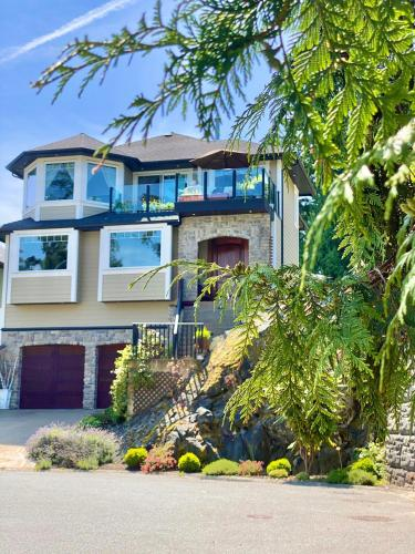 Eagle Rock Bed and Breakfast - Accommodation - Chemainus