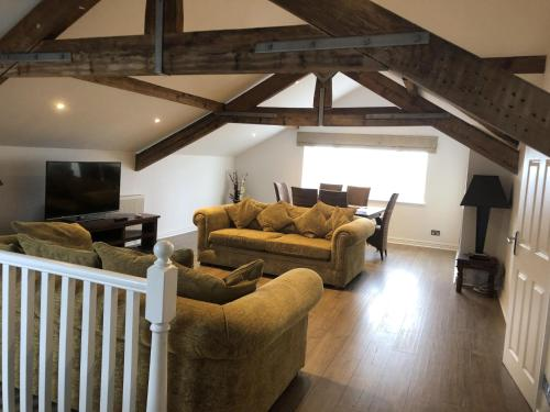 Beach House 3 Bed Penthouse Apartment, Southport