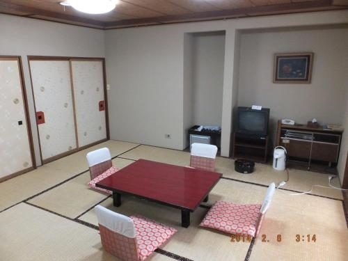 Economy Japanese-Style Room with Shared Bathroom