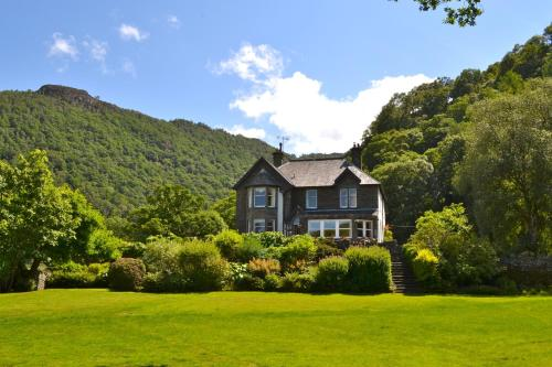 . The Leathes Head Country House Hotel
