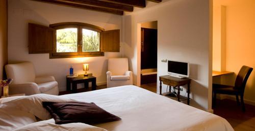 Double Room Hotel Mas Mariassa 7