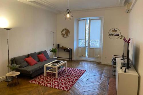 Appartement Hausmannien Allées Paul Riquet vue sur Theatre · - Location saisonnière - Béziers