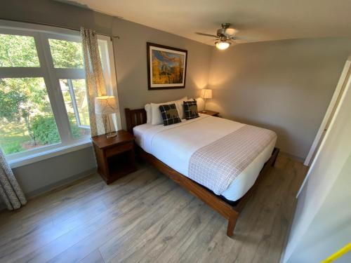 Windtower Lodge & Suites - Photo 5 of 61