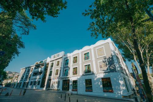 . Ener Old Castle Resort Hotel