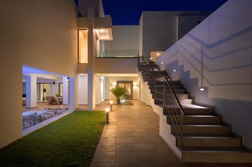Ixian Hilltop Villa