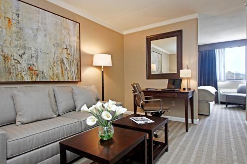 Ethan Allen Hotel - Danbury, CT CT 06811