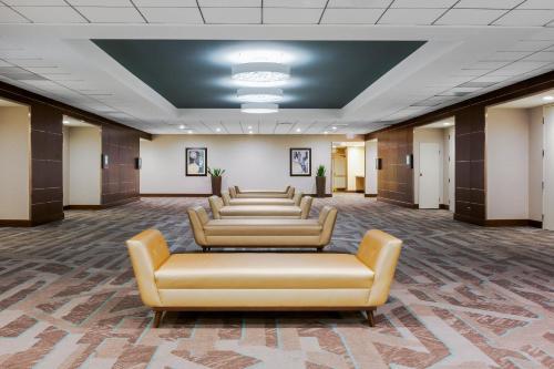 Holiday Inn La Mirada near Anaheim - La Mirada, CA CA 90638