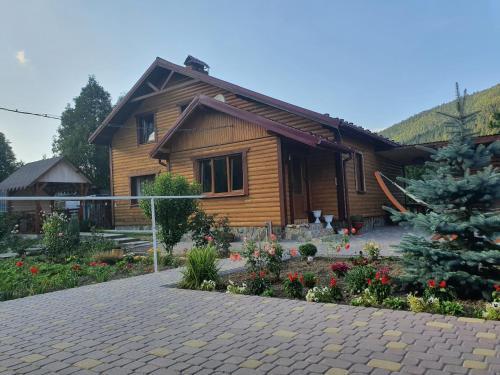 Emiliya - Accommodation - Tatariv