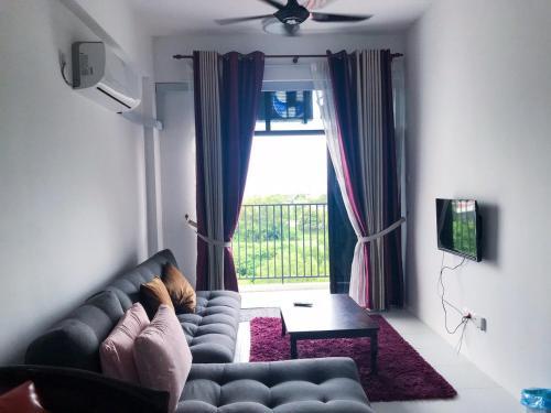 Imperio Stayhouse, Pokok Sena