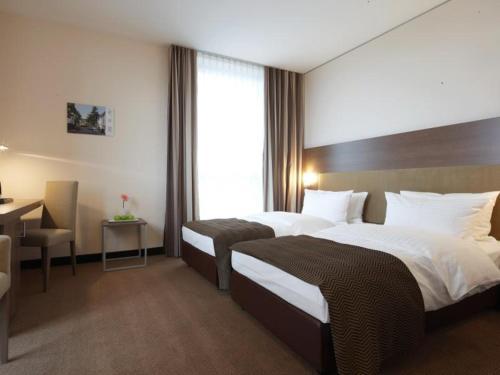 Room #23689921