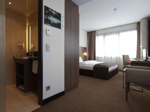 Room #23689924
