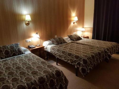 Room #1692806