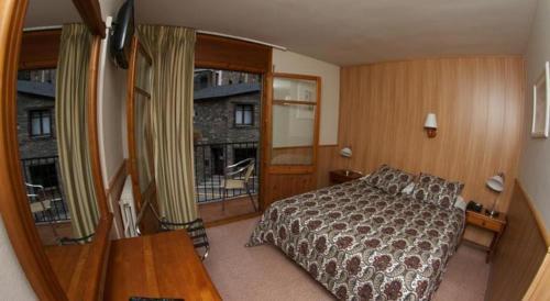Room #1692807