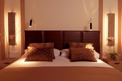 Room #1689628