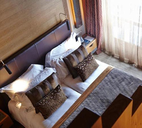Room #1689629