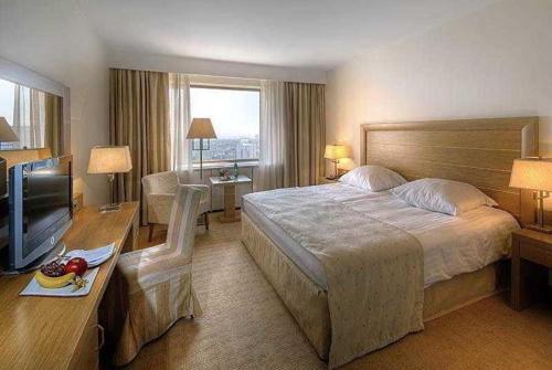 Room #2900231