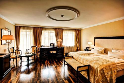 Room #6887255