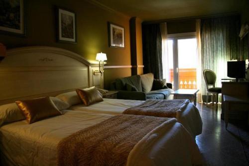 Room #1690416