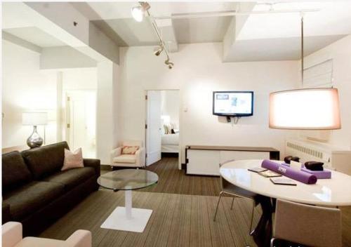 Spacious one bedroom Rental in Chelsea Rental in Chelsea