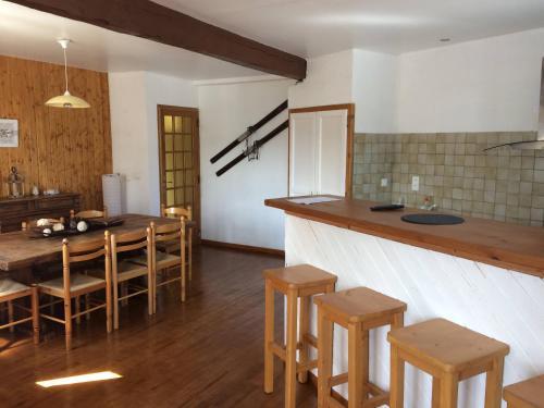 Grand appartement 130m2 à 5mn des stations de ski - Apartment - Formiguères