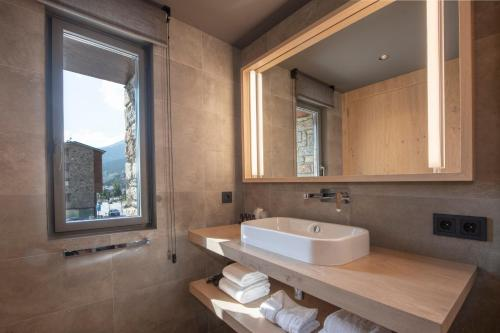 Habitación Doble con vistas a la montaña - 1 o 2 camas Hotel Naudi Boutique Adults only 7