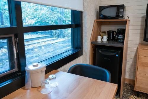 The Dorothy Motel - Banff, AB T1L 1B3