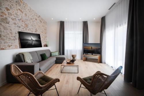 R32 BOUTIQUE APARTMENTS - Apartment - Figueres