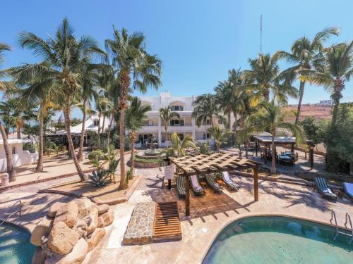 . Hotel & Suites El Moro