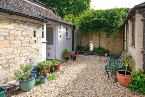 . The Courtyard Cirencester
