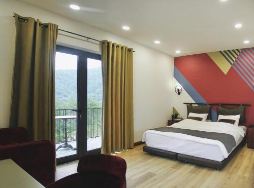 Hover Boutique Hotel - Photo 2 of 75