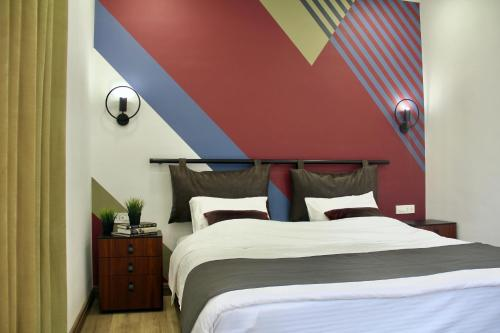 Hover Boutique Hotel - Photo 5 of 75