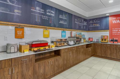 Hampton Inn & Suites Edmonton/West - Edmonton, AB T5S 2V2