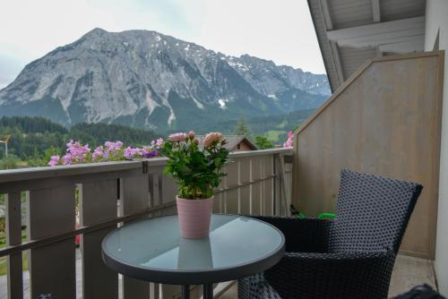. Alpine Appartement Top 9 by AA Holiday Homes