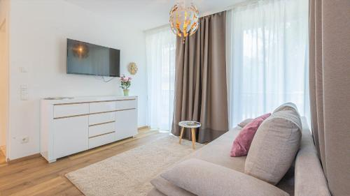 Alpine Appartement Top 2 by AA Holiday Homes - Apartment - Tauplitz